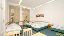 Prague Charles Square Hostel Praha - Triple room with shared bathroom, Five bedded room with shared bathroom